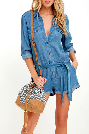 Way Outback Tan and Navy Blue Chevron Print Bucket Bag at Lulus.com!