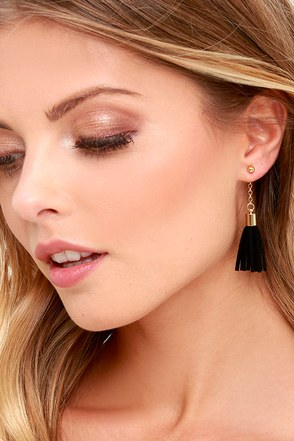 Tassel at Hand Black and Gold Peekaboo Earrings at Lulus.com!