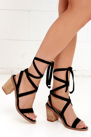 Chinese Laundry Calvary Black Suede Sandals Lace Up