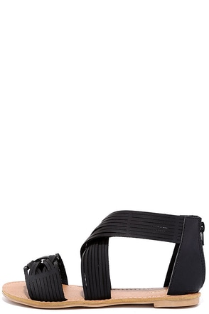 Weave it Be Black Flat Sandals at Lulus.com!
