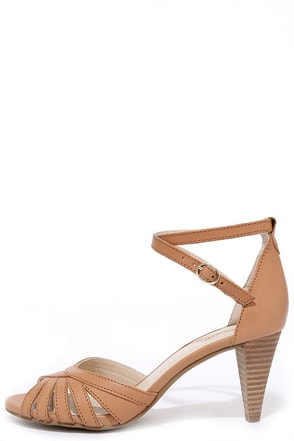 Seychelles Scenic Tan Leather Heels at Lulus.com!