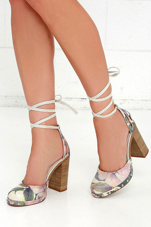 Seychelles Drift Light Floral Leather Lace-Up Heels at Lulus.com!