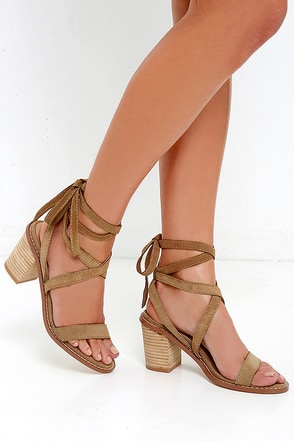 Chinese Laundry Calvary Camel Suede Leather Lace-Up Sandals at Lulus.com!