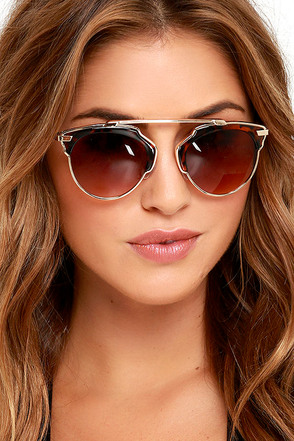 Modern Metropolitan Black and Gold Sunglasses at Lulus.com!