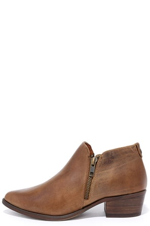 Steve Madden Ajay Cognac Leather Ankle Booties at Lulus.com!