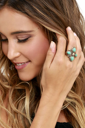 Mystic Around Turquoise and Gold Ring at Lulus.com!