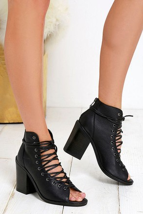 Steven Madden Temptng Black Leather Lace-Up Booties at Lulus.com!