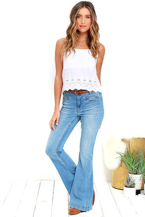 Dittos Amy Medium Wash High Rise Flare Jeans at Lulus.com!