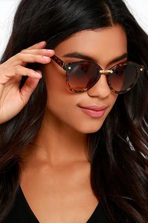 All in Sun Tortoise Sunglasses at Lulus.com!