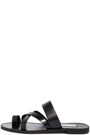 Steve Madden Ambler Black Leather Thong Slide Sandals at Lulus.com!