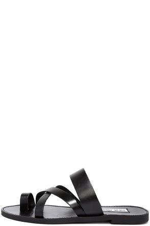 Steve Madden Ambler Black Leather Thong Slide Sandals at Lulus.com!