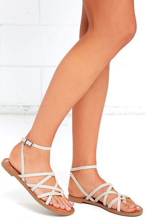 Chinese Laundry Gia Mushroom Grey Thong Sandals at Lulus.com!