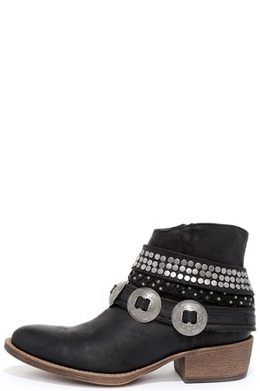 Coconuts Hawthorne Black Studded Ankle Booties at Lulus.com!