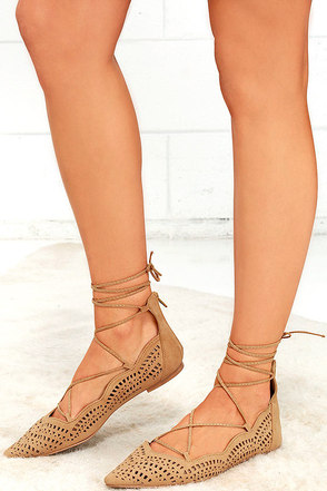 Laced Waltz Blush Cutout Lace-Up Flats at Lulus.com!