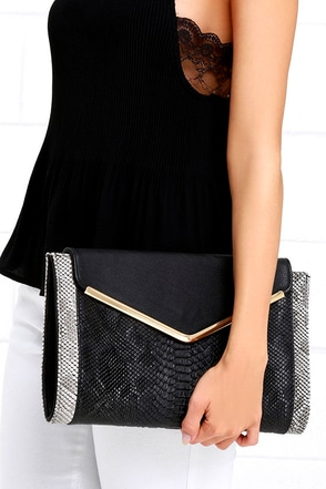 Rattle Tale Grey and Black Clutch at Lulus.com!