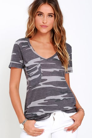 At Attention Ivory Camo Print Tee at Lulus.com!