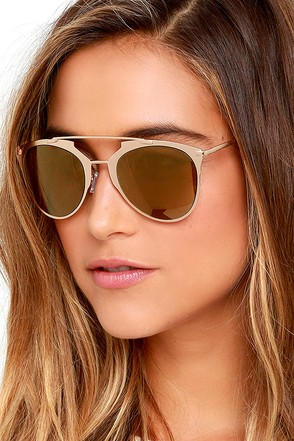 Top Stun Gold Sunglasses at Lulus.com!