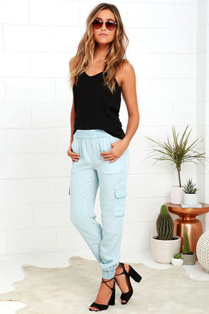 Gentle Fawn Covert Light Blue Chambray Jogger Pants at Lulus.com!