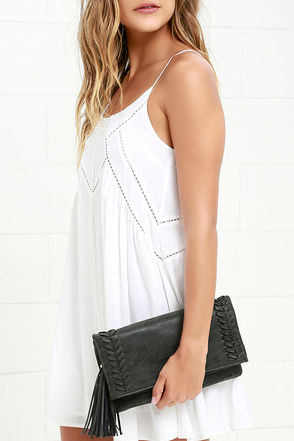 Leaves in the Breeze Tan Clutch at Lulus.com!