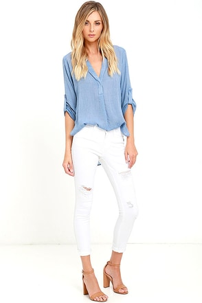 Dittos Selena White Distressed Ankle Skinny Jeans at Lulus.com!