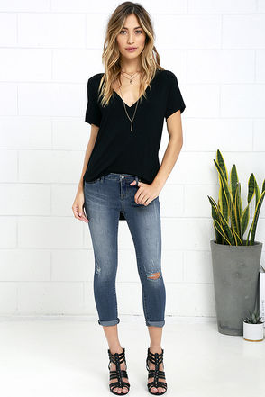 Dittos Taylor Medium Wash Distressed Ankle Skinny Jeans at Lulus.com!