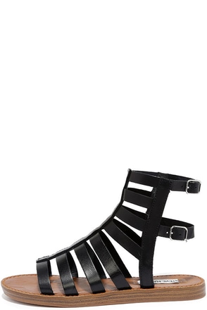 Steve Madden Beeast Black Leather Gladiator Sandals at Lulus.com!