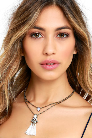 Tantalizing Tassel Gold and Peach Layered Necklace at Lulus.com!