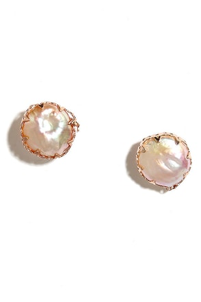 Deep Sea Diva Rose Gold and Pearl Earrings at Lulus.com!