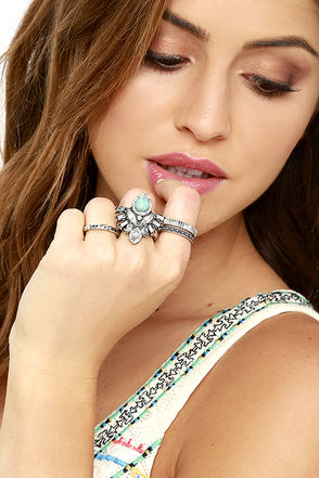 Wonderfully Wild Silver and Turquoise Ring Set at Lulus.com!