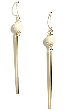 Lake View Gold and Cream Earrings at Lulus.com!