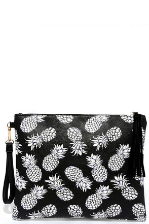 Take Your Tropic Black Pineapple Print Clutch at Lulus.com!