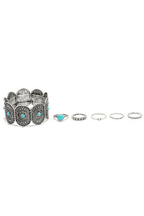 Bohemian Way Turquoise and Silver Bracelet and Ring Set at Lulus.com!
