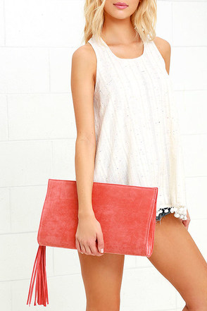 Complimentary Commentary Taupe Clutch at Lulus.com!
