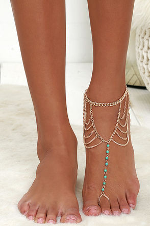 Conga Line Silver Foot Bracelet at Lulus.com!