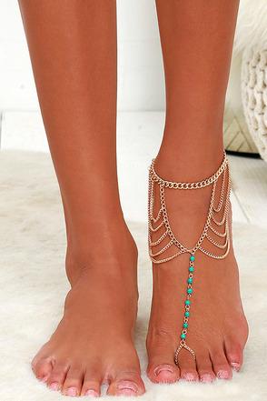 Conga Line Gold Foot Bracelet at Lulus.com!