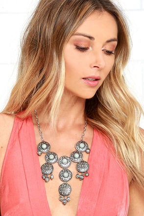 Rio Rancho Turquoise and Silver Statement Necklace at Lulus.com!
