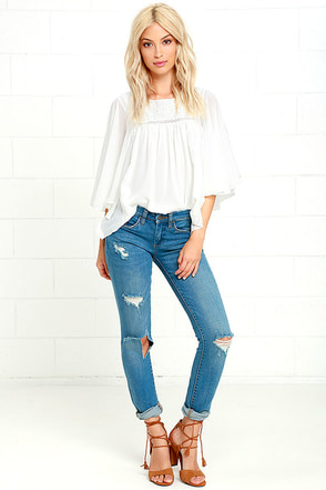 Blank NYC Skinny Classique Destroyed Medium Wash Skinny Jeans at Lulus.com!