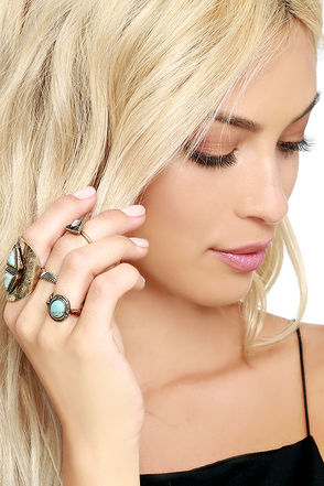 Pyramid Dream Gold and Turquoise Ring Set at Lulus.com!