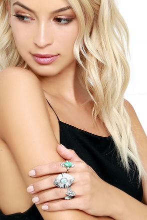 Nueva Vida Silver and Turquoise Ring Set at Lulus.com!