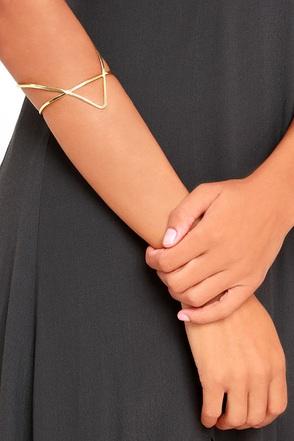 Vogue Gold Cuff Bracelet at Lulus.com!