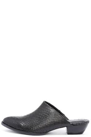 Matisse Clover Black Leather Mules at Lulus.com!