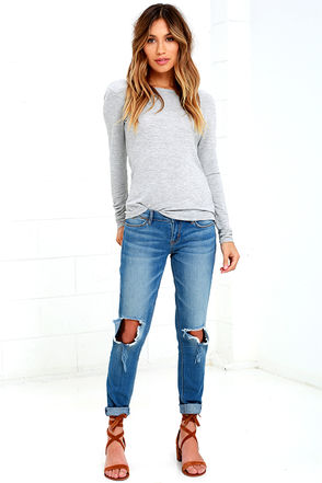 Dittos Selena Blue Destroyed Ankle Skinny Jeans at Lulus.com!