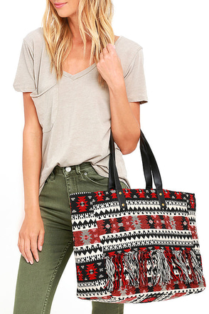 Amuse Society Myrcer Red Southwest Print Tote at Lulus.com!