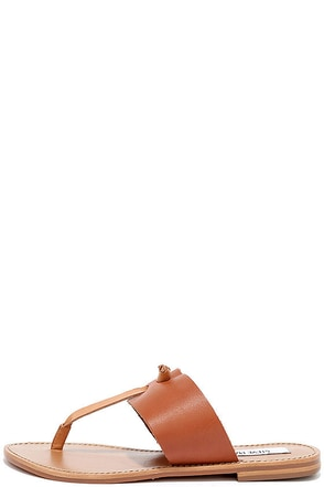 Steve Madden Olivia Tan Leather Thong Sandals at Lulus.com!