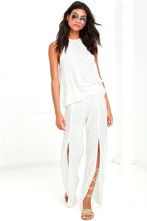 Lucy Love Sun Bum White Embroidered Pants at Lulus.com!