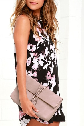 Roped In Blush Pink Clutch at Lulus.com!