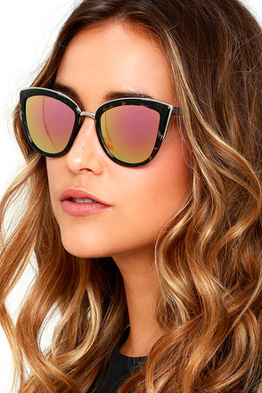 Stun and Go Black Mirrored Sunglasses at Lulus.com!