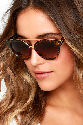 Show Stopper Tortoise Sunglasses at Lulus.com!