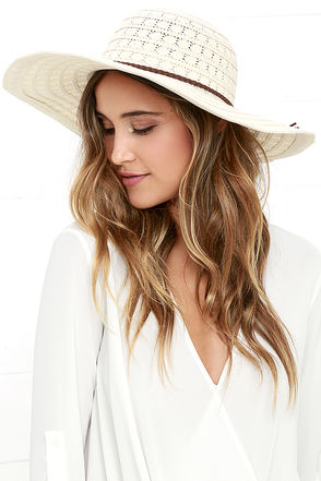 Promenade Promises Cream Lace Hat at Lulus.com!