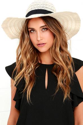 Good Morrow Cream Lace Hat at Lulus.com!